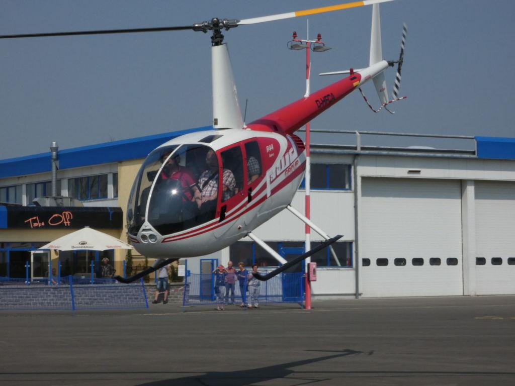 Start zum Hubschrauber-Rundflug