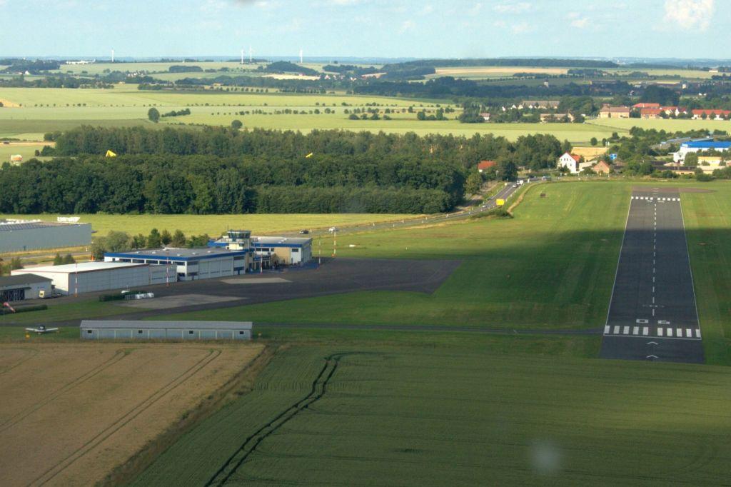 Flugplatz Gera im Anflug